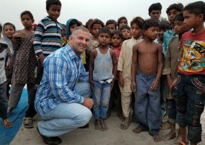 Impact Nations Evangelist Jeffrey Battles on Beach with Children In India